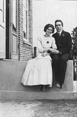 Niels Bohr and Margrethe 1910