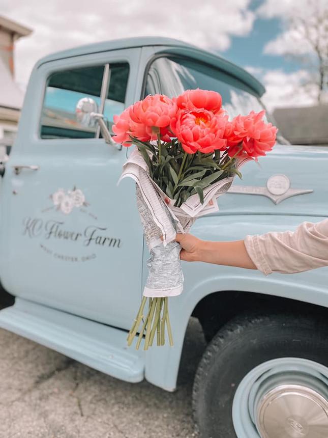 truck_flowers.jpg