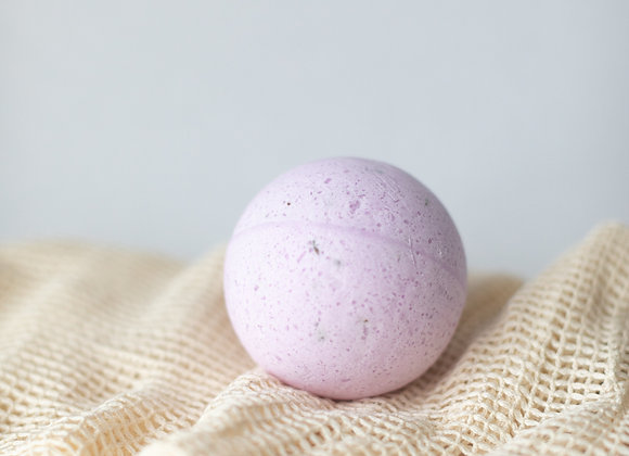 SOAK Bath Bomb - Lavender