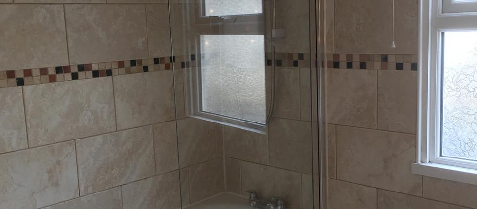 Bathroom 1 Bath & Shower
