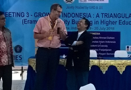 Project Lead Professor Neil Towers is talking to the media at the third GITA consortium meeting