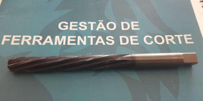 adm-tool-machine-862703890.jpg
