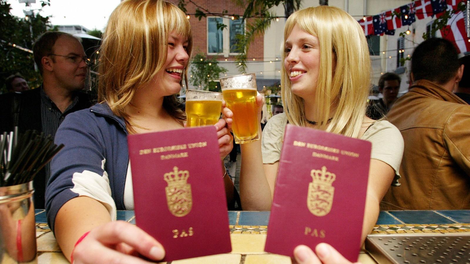 Passeports et extraits de naissance