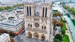 🖐 In this blog post we'll share all known regulation around recreational and commercial drone use over Notre Dame de Paris and more...