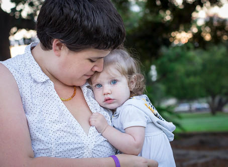 5 Easy Ways to Normalize Uncovered Breastfeeding in Public