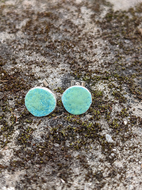 HAMMERED SILVER ENAMEL STUDS - GRASS GREEN TURQUOISE