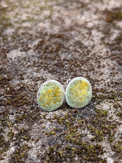 HAMMERED SILVER ENAMEL STUDS - YELLOW MOSS & GREEN