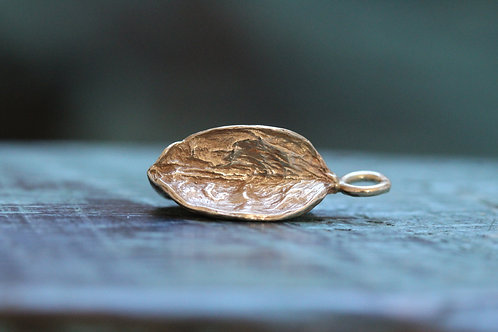 9ct Gold Agapanthus Seed Pod Charm