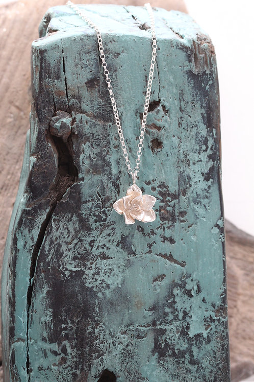 SILVER SUCCULENT NECKLACE