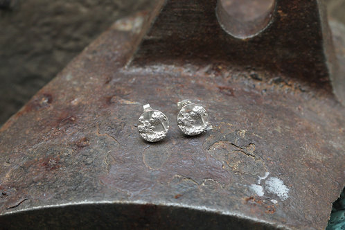 SILVER AGAPANTHUS STUDS