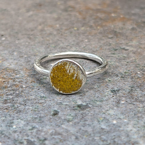 HAMMERED SILVER ENAMEL RING - DEEP YELLOW