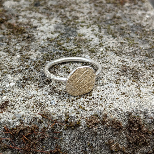 HAMMERED SILVER ENAMEL RING - RUSTIC GOLD