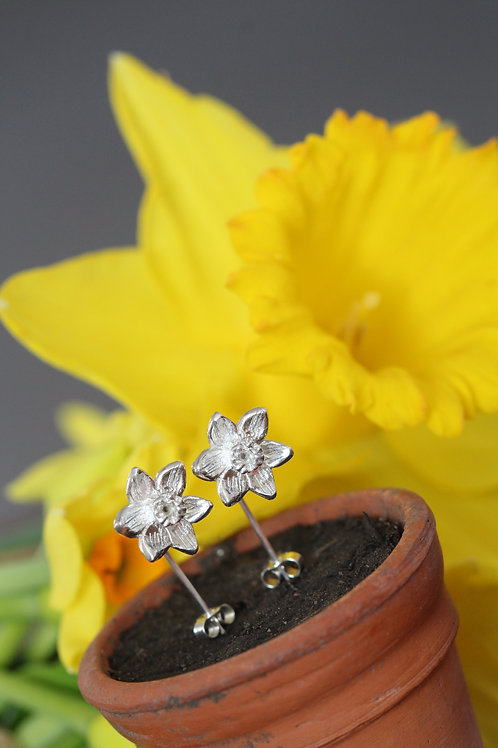 Silver Daffodil Narcissi Drop Earrings.