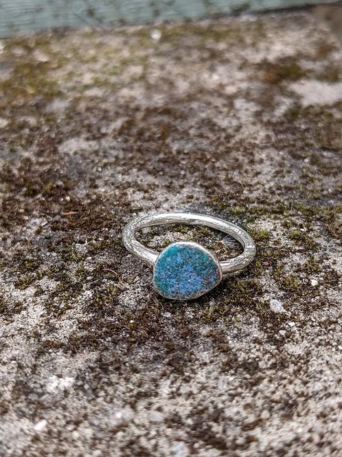 HAMMERED SILVER ENAMEL RING - LOW TIDE BLUES