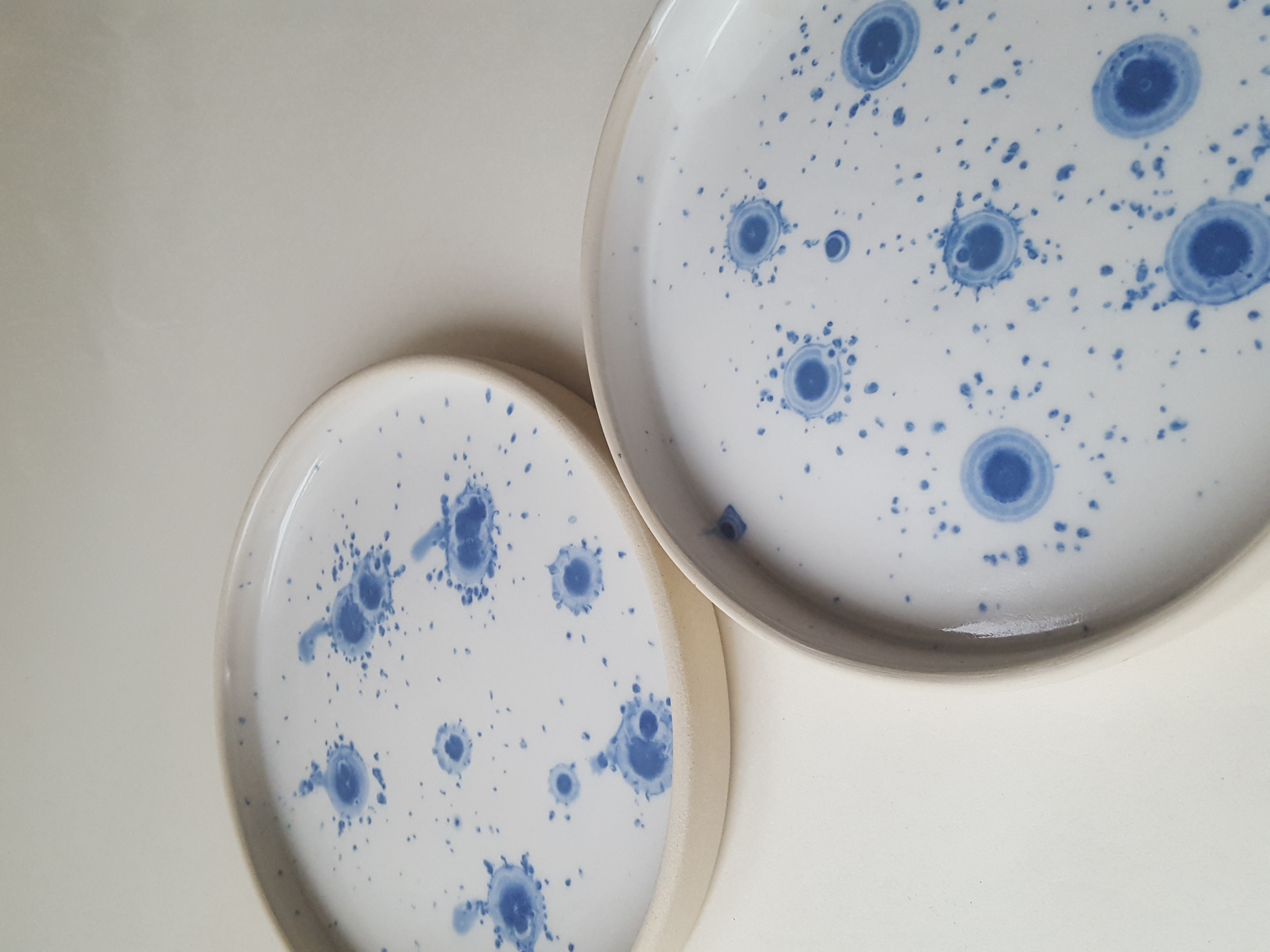 Blue and white shallow bowls