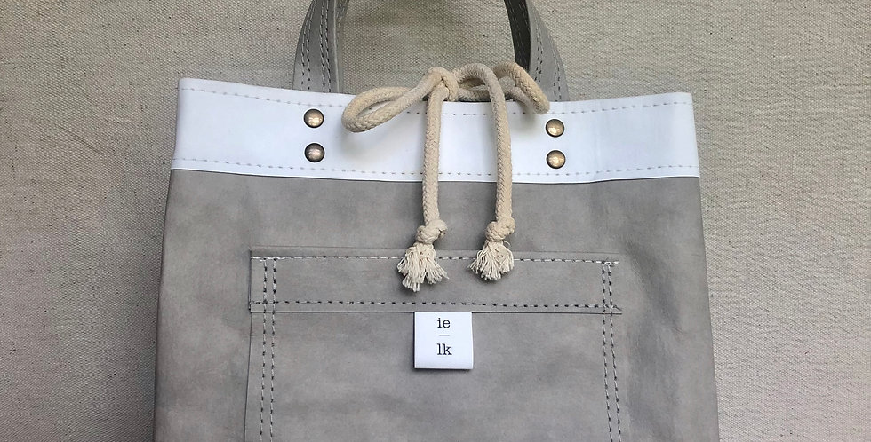 gray lunch bag with handles