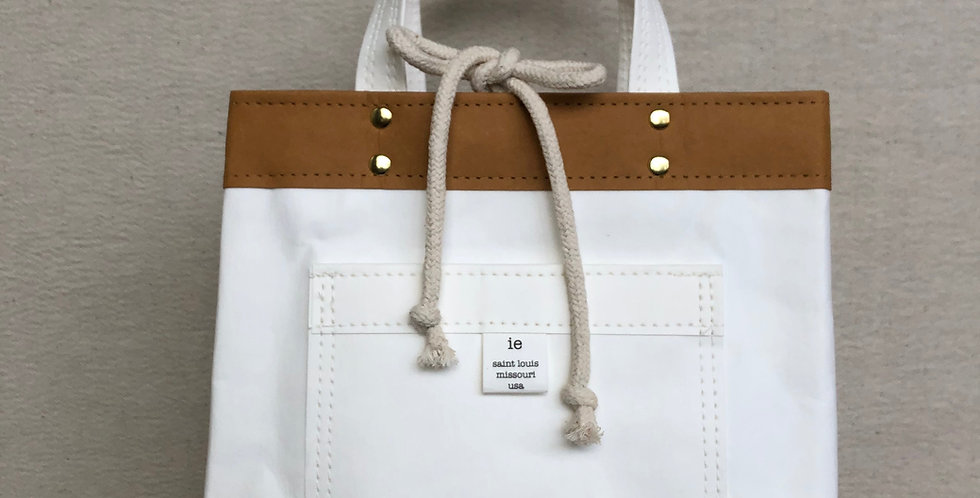 white lunch tote with handles
