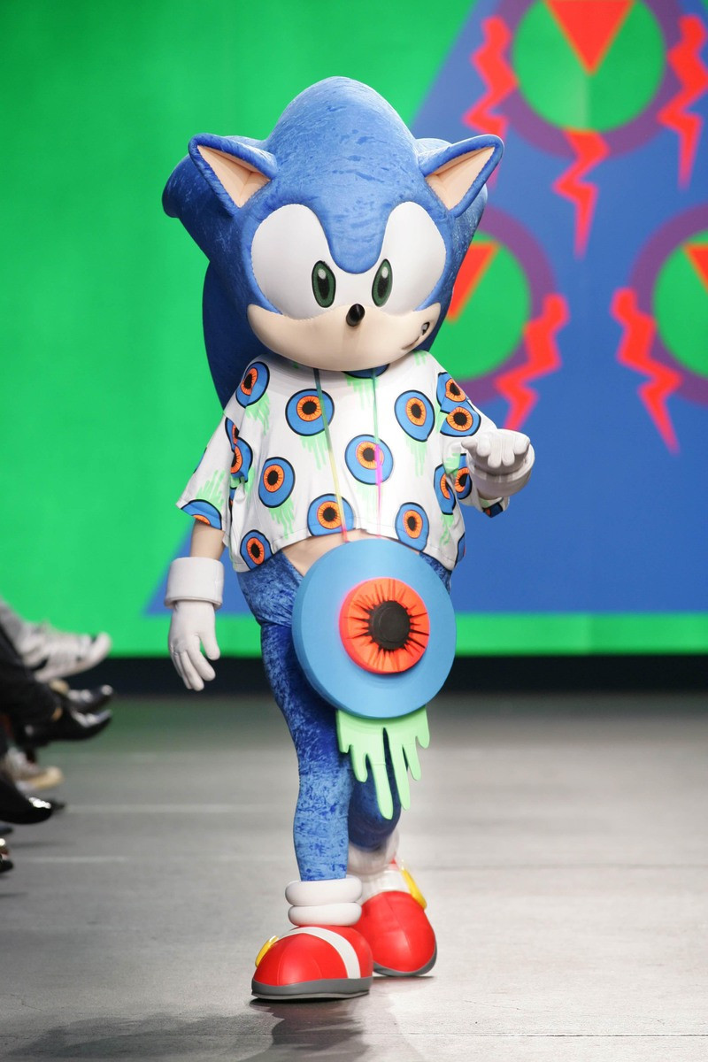 Sonic models a outfit by Cassette Playa