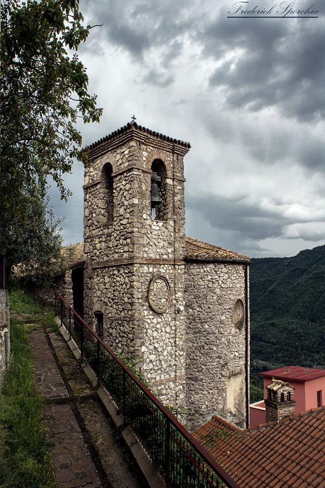 Scorcio del campanile parrocchiale