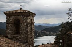 Campanile parrochiale e valle del Turano