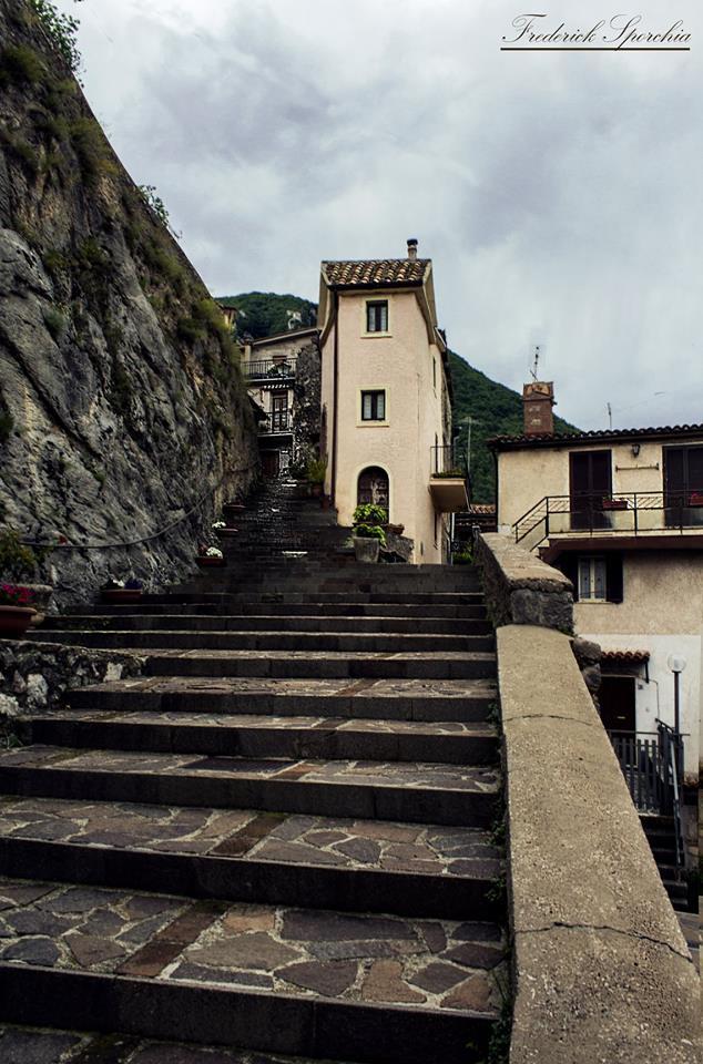scalinata di via della Chiesa
