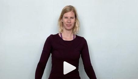 Dag 1 i Yogaberrys 10 dagars gratis yoga online utmaning