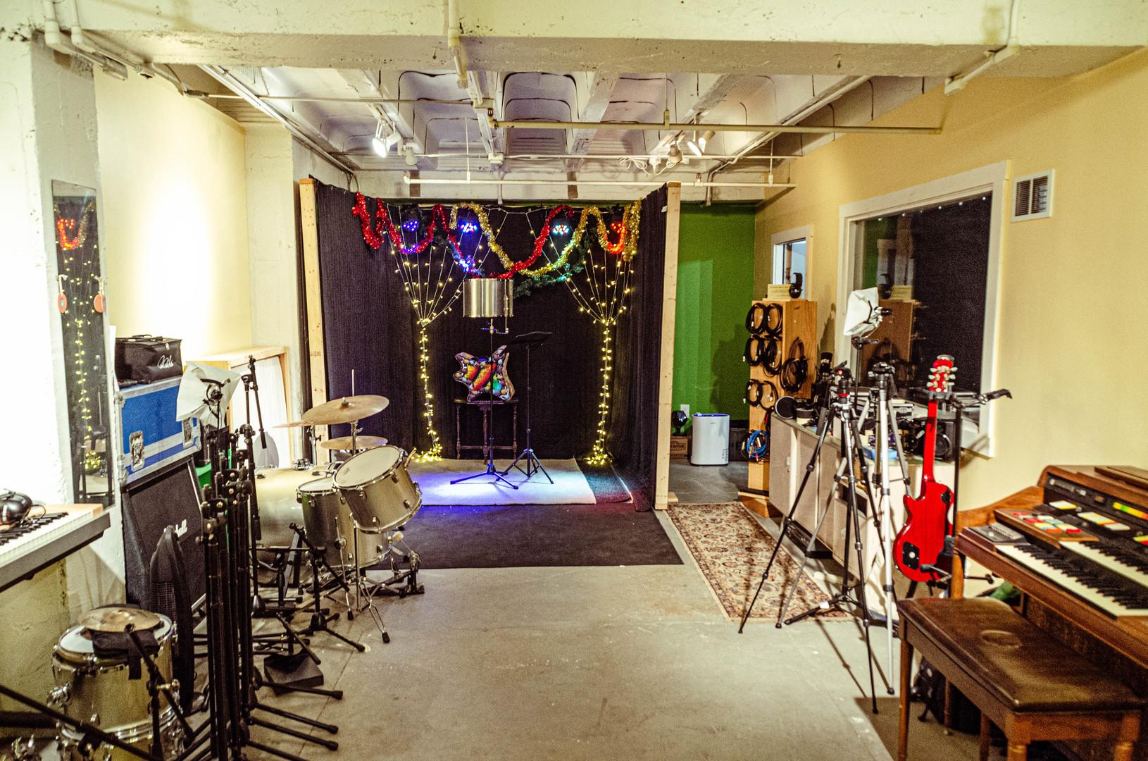 Live Room - Stage