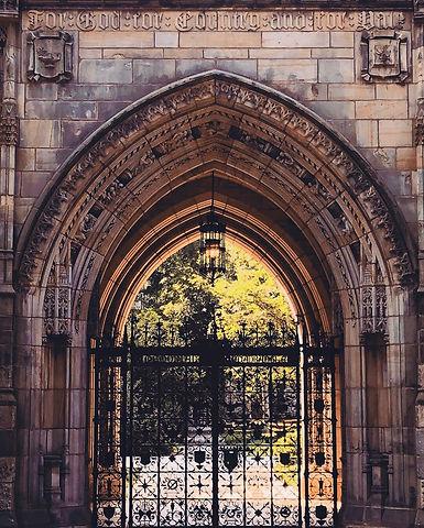 Yale Gate Ernesto Mendez Chiari SOM MAM.