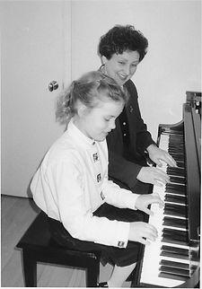Kamilla Sonkin, piano lesson, Norwalk piano lesson, piano teacher, Norwalk piano teacher, art of playing piano, music lesson, adult, children, piano lessons in Wilton, piano lessons in Norwalk, learn to play piano, passion for music,