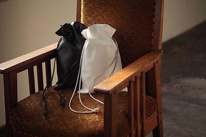 gr. ジーアール 軽くてやわらか本革巾着バッグ。'21/8/25発行pococe(ポコチェ)掲載商品。