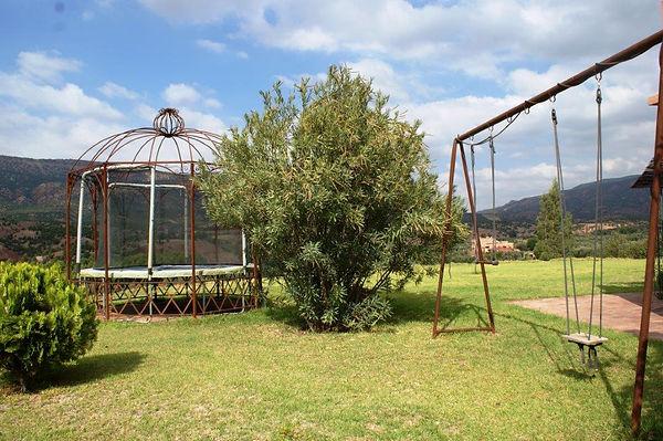 location maison Marrakech, jeux enfants, détente, balançoire, trampoline