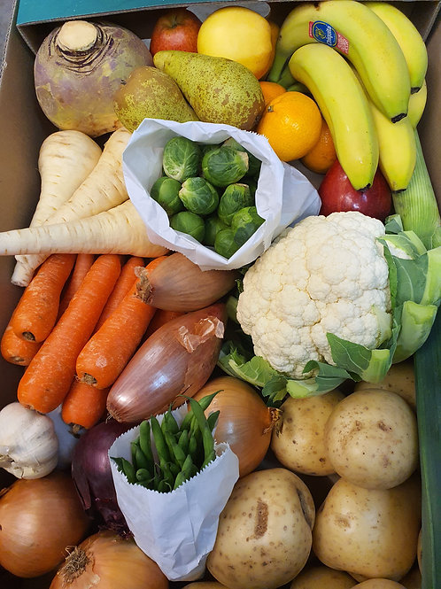 Sunday Roast Vegetable and Fruit Box