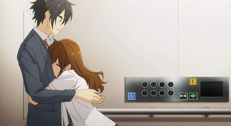 Hori-hugs-Miyamura-Horimiya-episode-7.jpg