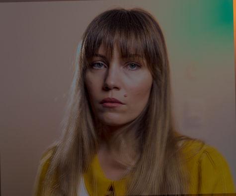 Tenielle Neda - Studio Portrait