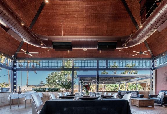 Outdoor dining - Karratha International Hotel
