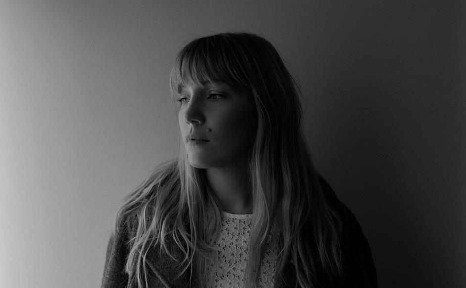 Tenielle Neda - Singer_Songwriter