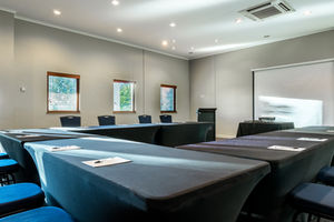 KI Hotel - Goldfinch Conference Room