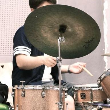 磯 圭太郎(いそ けいたろう)Drums.