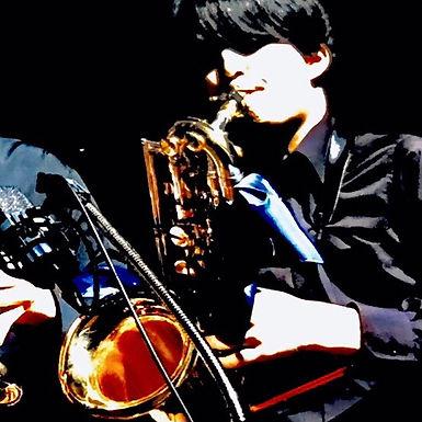 嶋根 颯太(しまね そうた)Baritone Sax.
