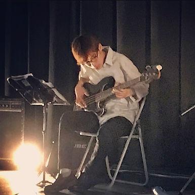 栗田 州(くりた しゅう)Reg. Drums.
