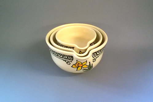 Hand-thrown Daffodil Mixing Bowl Set