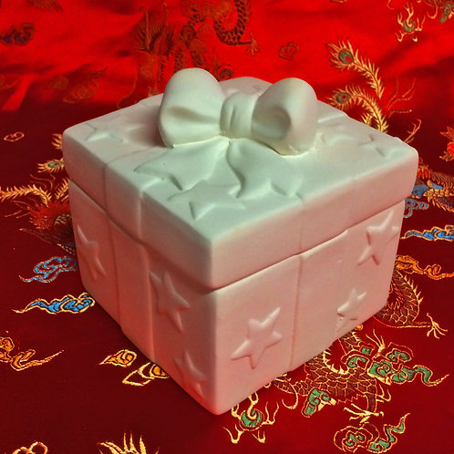 'Paint Your Own' Kit 90 - Present trinket box