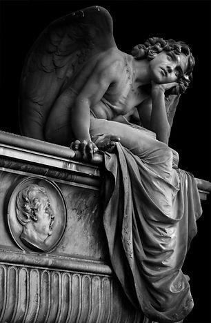 L'angelo della Notte di Giulio Monteverde. Cimitero Verano di Roma