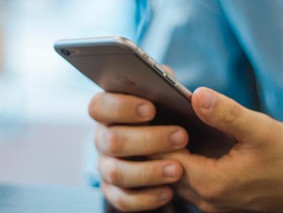 Telstra renews software licence until July 2022.