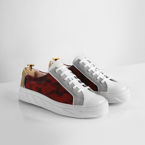 Handcrafted low-top sneakers - Red camo & gold patent leather accent