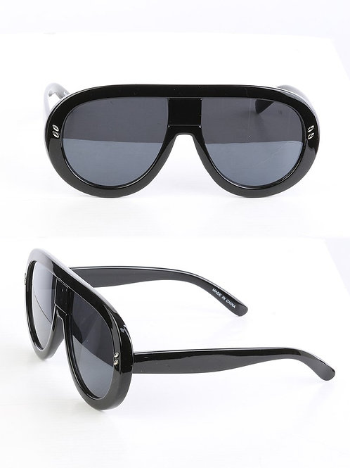 Curved & Chic Aviator Black Sunglasses
