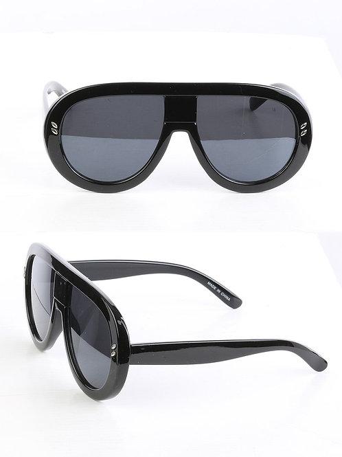 Curved & Chic Aviator Black Sunglasses