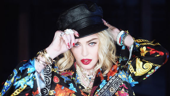 MADONNA_SWAE_LEE_CRAVE_USUMV1900362_HQ.0