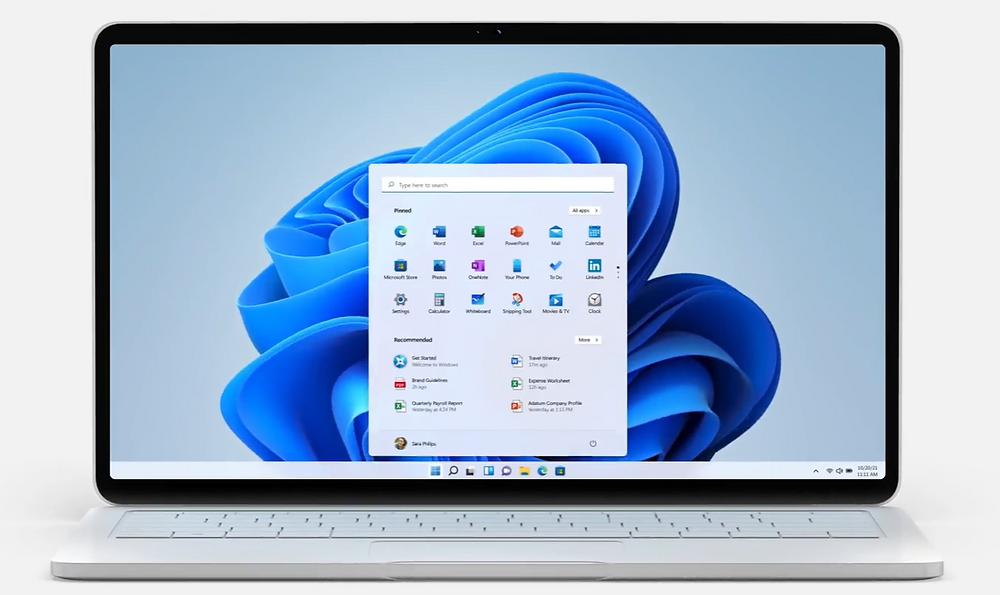 Screenshot of the new Windows 11 desktop, with the new Start menu open.