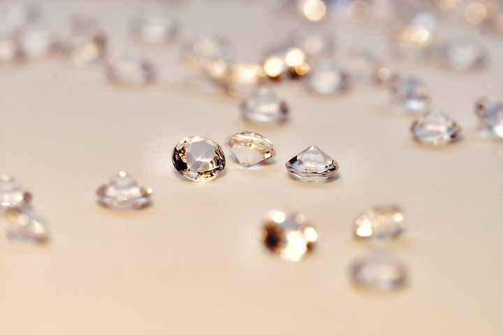 diamonds-4231176_1920.jpg